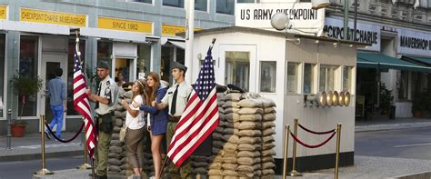 Checkpoint Charlie | visitBerlin